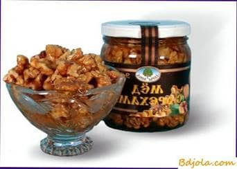 Nuts with honey