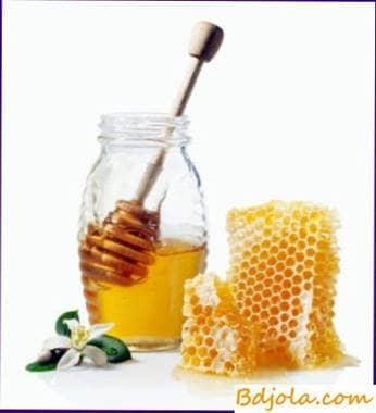 Honey against mold