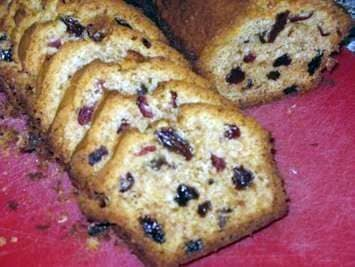 Cake with a raisin and raisins