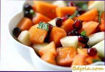 Fruta, enlatada en miel